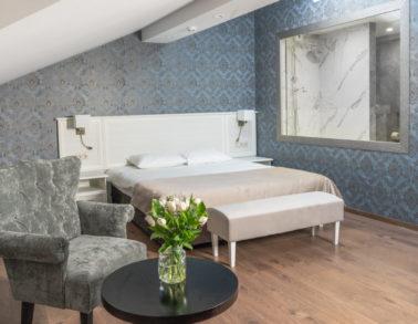 Номер №10 Свадебный De Luxe кровать гостиница (отель) Теплица Парк