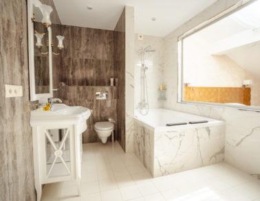 Номер №6 Свадебный De Luxe Ванная комната гостиница (отель) Теплица Парк